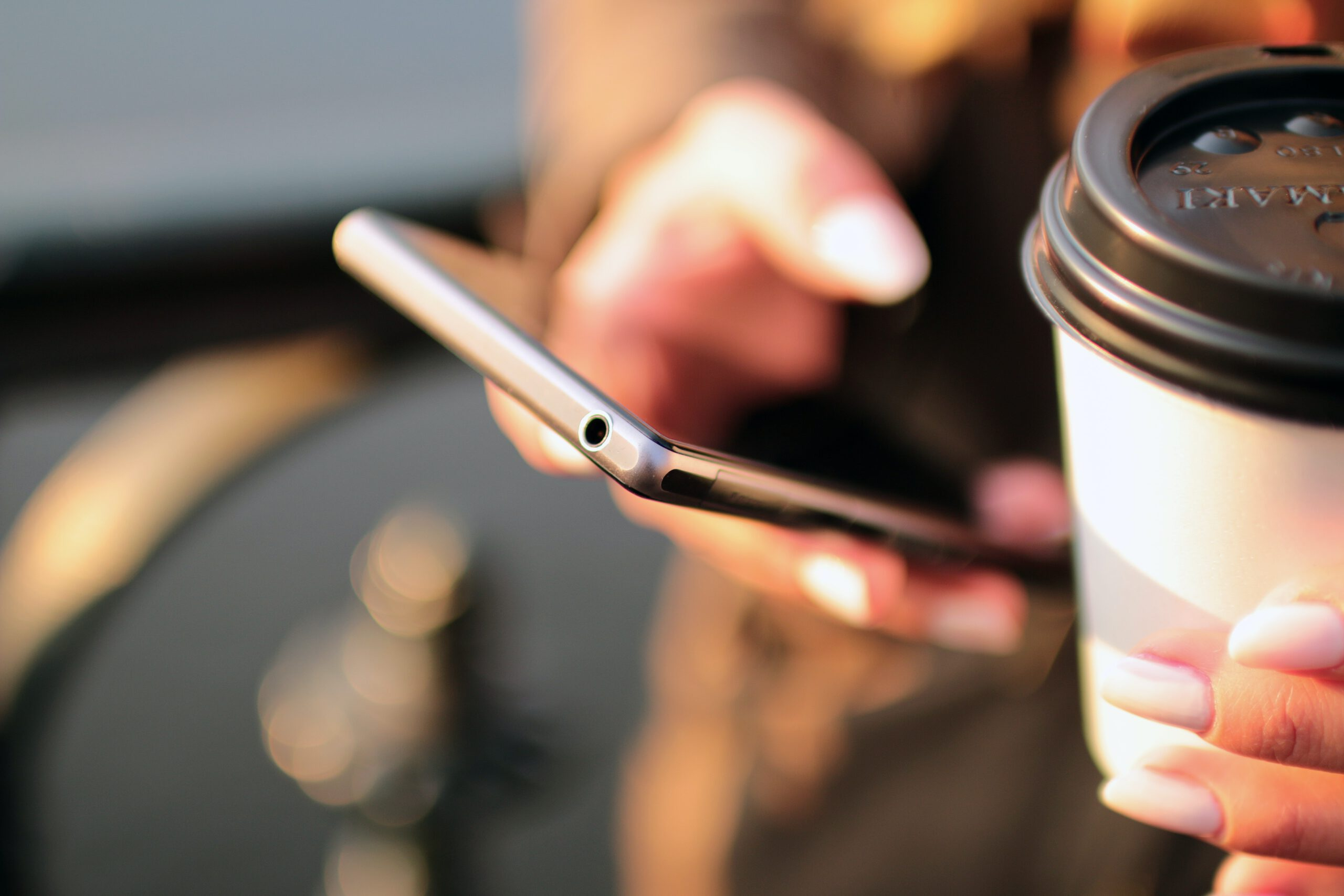 coffee-contact-email-hands-4831